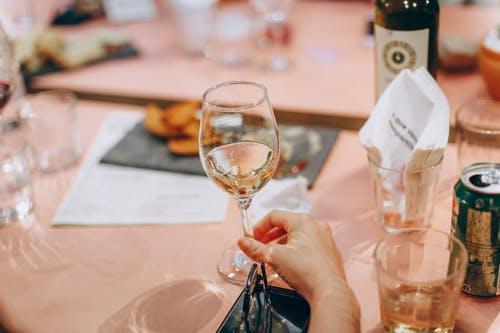 L'art de la table, comment bien apprécier votre vin ?